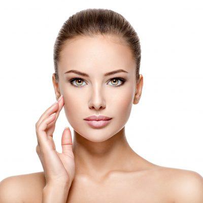 Gesichtsbehandlungen, Falten, Unterspritzungen, Laser, CO2-Laser, CO2, Hylauronsäure, Botox, Botulinumtoxin, glatt, Zornesfalten, Hängebäckchen, Krähenfüße, Augenringe, Stirnfalten, Stirn, nasolabial, Lippen, jawline, Kinn, Kinnlinie, Chin, Augenbrauen, Cateye, Foxeye, Platysma